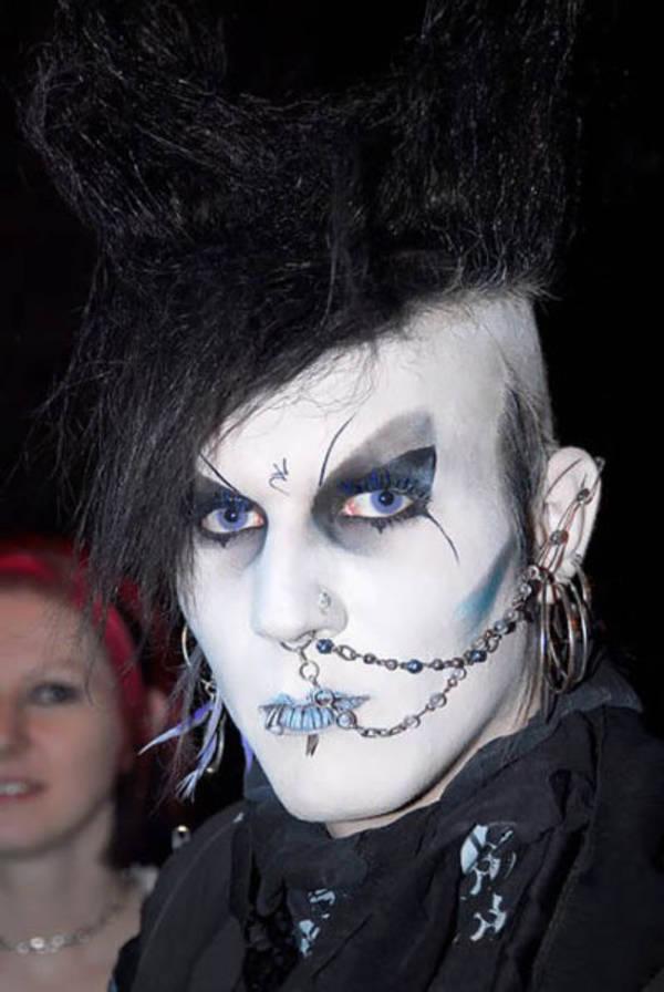 Goth-gothic-6148265-600-896